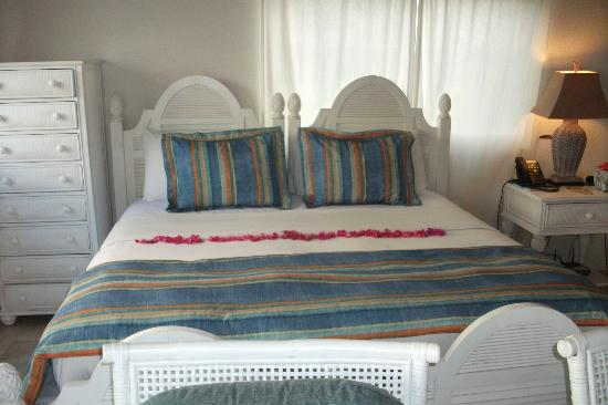 Turtle's Nest Beach Resort: Bed