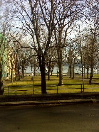 Manoir de la Terrasse : Vue sur le parc des Gouverneurs