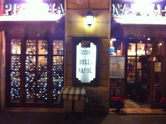 Bella Napoli 2 : Il nostro ingresso