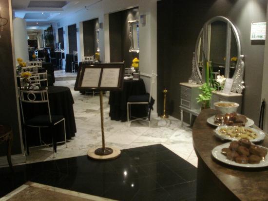 Unique Art Elegance: Hotel