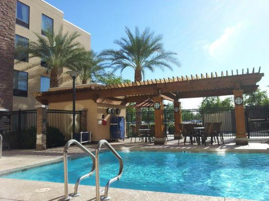 Hampton Inn & Suites Phoenix Chandler Fashion Center: Great relaxing day by the pool!