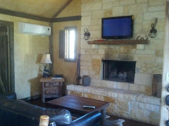 Country Inn & Cottages: Inside of cottage