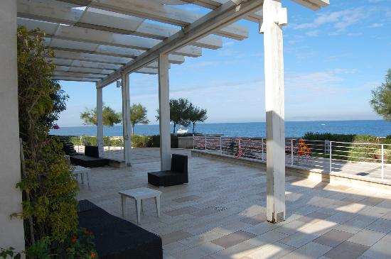 Towers Hotel Stabiae Sorrento Coast: Patio area