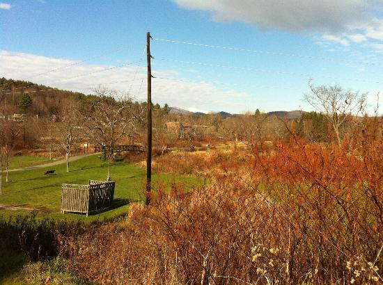 Green Mountain Inn: Overlooking the Stowe Recreation Path