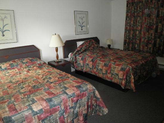 Motel de l'Aeroport: Chambre avec 2 lits doubles