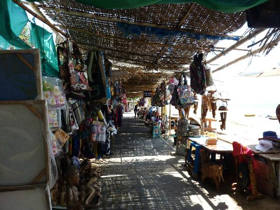 Puri Mesari: Some of the beach shops on Sanur beach, your lucky if you can get through without buying somethi