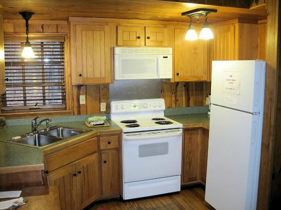 Devil's Den State Park: Kitchen area