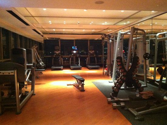 Keraton at The Plaza, a Luxury Collection Hotel: keraton gym