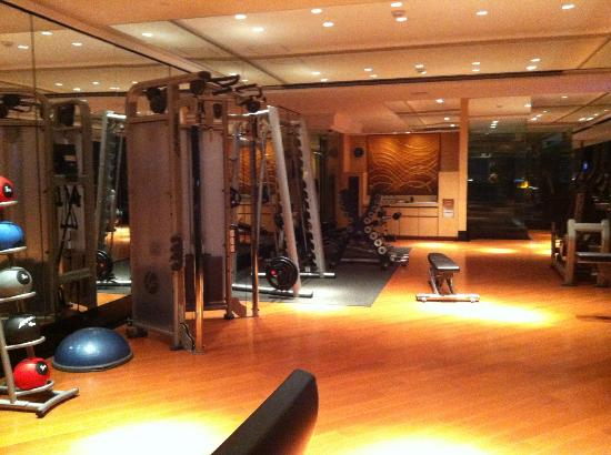 Keraton at The Plaza, a Luxury Collection Hotel: keraton gym 2