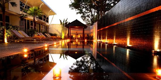 Bali Yarra Villas: Poolside 1