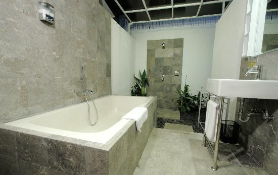 Bali Yarra Villas: Bathroom of 1 Bedroom apartment