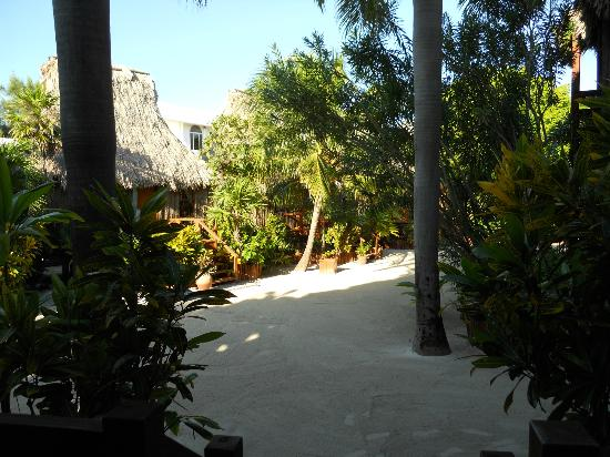 Ramon's Village Resort: Garden View Cabanas