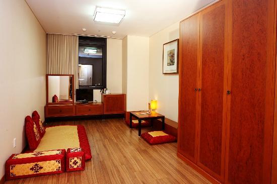 Ibis Suwon Ambassador: Ondol Room(Korean Style)