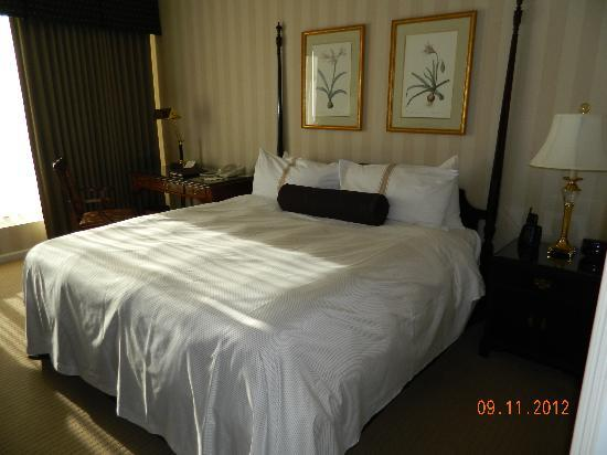 Sutton Place Hotel Vancouver: Deluxe King Room