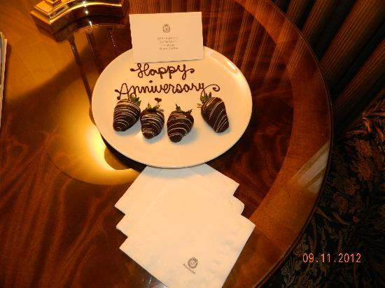Sutton Place Hotel Vancouver: Happy Anniversary to us! 30 years