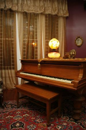 Seven Sisters Inn: The Parlor's 1880 Grand Piano
