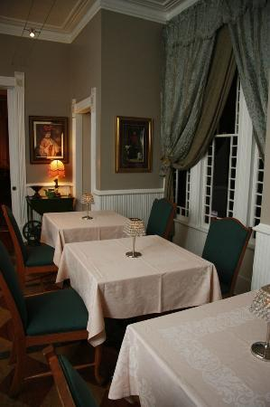 Seven Sisters Inn : The Gathering Room