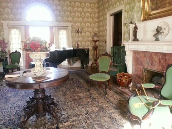 Rockcliffe Mansion: music room