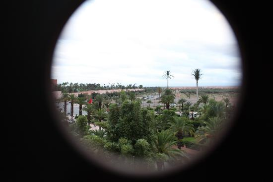 The Pearl Marrakech: Emblematico circulo de la fachada. Vista hab 303
