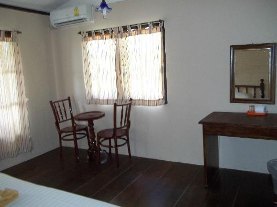 Phi Phi Uphill Cottage: номер