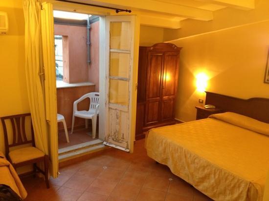Hotel Mediterraneo: Room 37