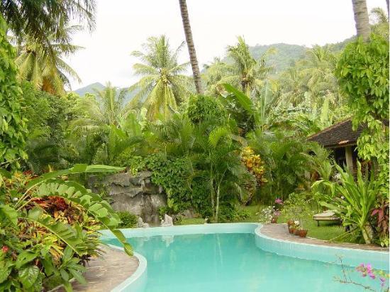 Hotel Bulan Baru: nice garden