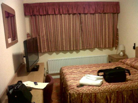 Lakeside International Hotel: Lodge Bedroom