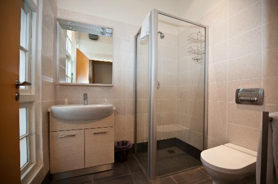 Scalabrini Guest House: newly renovated bathrooms