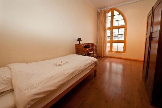 Scalabrini Guest House : Single room