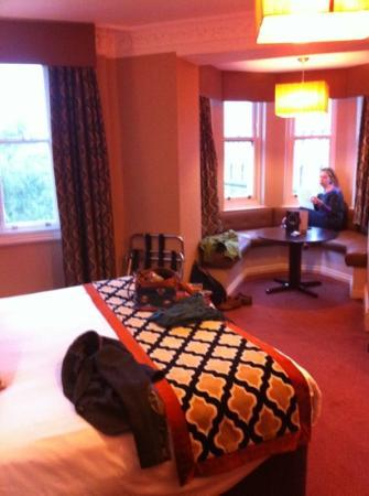 Hotel Russell: room overlooking park and street