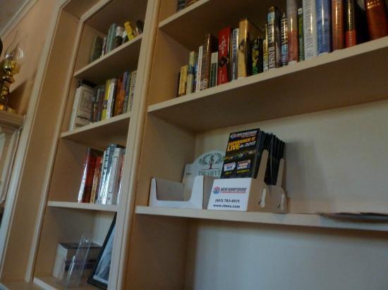 Knights Inn Seekonk MA: Biblioteca comedor