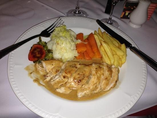 Restaurante O Tapassol Terrace: Chicken Tapassol Style
