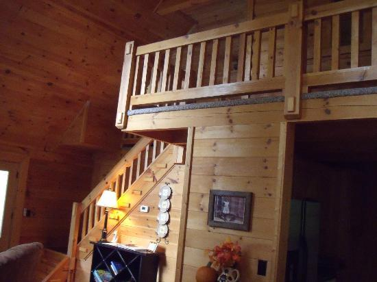 Telliquah Falls Log Cabins: This goes up to the kid's room.