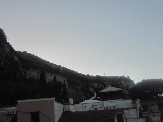 لو أنكور: The view around the hotel
