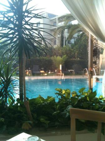 Golden Sun Hotel: great view. breakfast time.