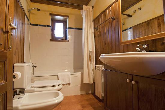 Baqueira Apartamentos Cota 1700: Cuarto de baño