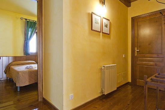 Baqueira Apartamentos Cota 1700: Recibidor