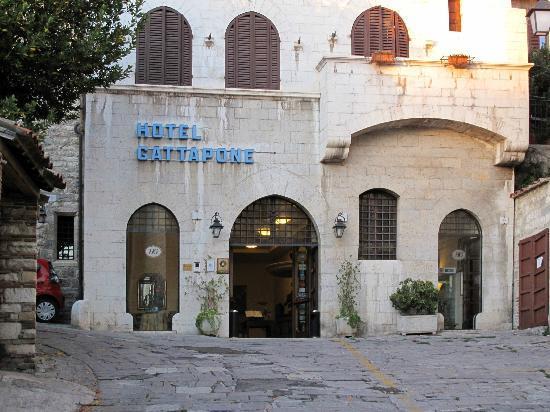 Hotel Gattapone: Entrée de l'hôtel