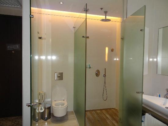 Glass Encased Bathroom Very Modern Picture Of Hotel H2O Manila