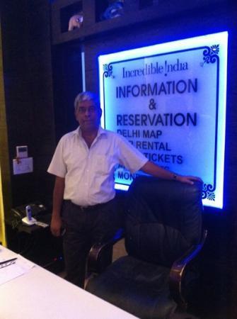 โรงแรมซิงห์ เอ็มไพร์ ดีเอ็กซ์: mr Kamal is a great host
