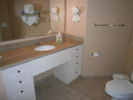 Seaside: Another guest bathroom