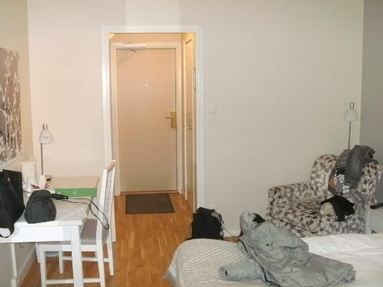 โรงแรมเทกเนอร์ลุนเดน: gemütliches Zimmer mit Parksicht :)