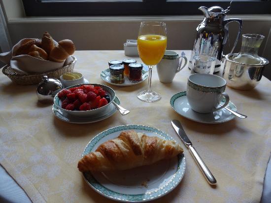 Four Seasons Hotel Prague: Breakfast