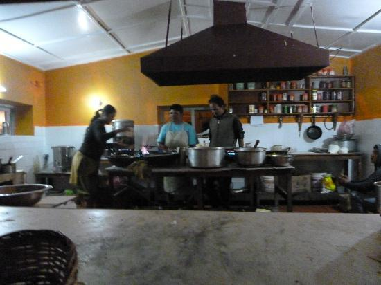 Balthali Village Resort: kitchen