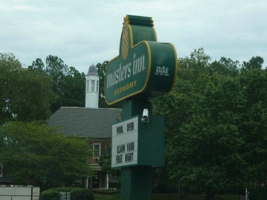 Masters Inn Doraville: Sign