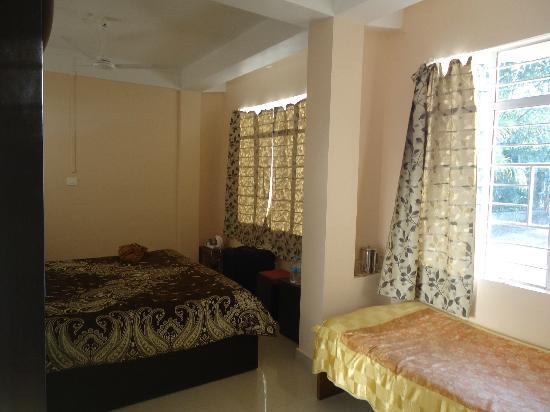 Cherrapunjee Holiday Resort: rooms