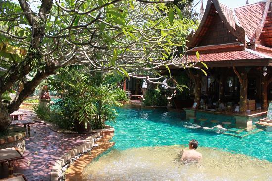 Sawasdee Village: hotel pool