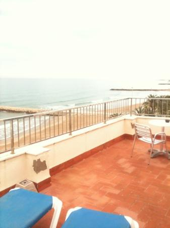 Hotel Subur: massive balcony with great sea views