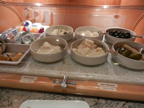 Hotel Kriemhild: Breakfast