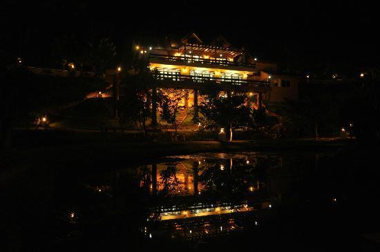Thuleefa Resort: ดาวไสวบนฟากฟ้า แสงไสวบนผิวน้ำ